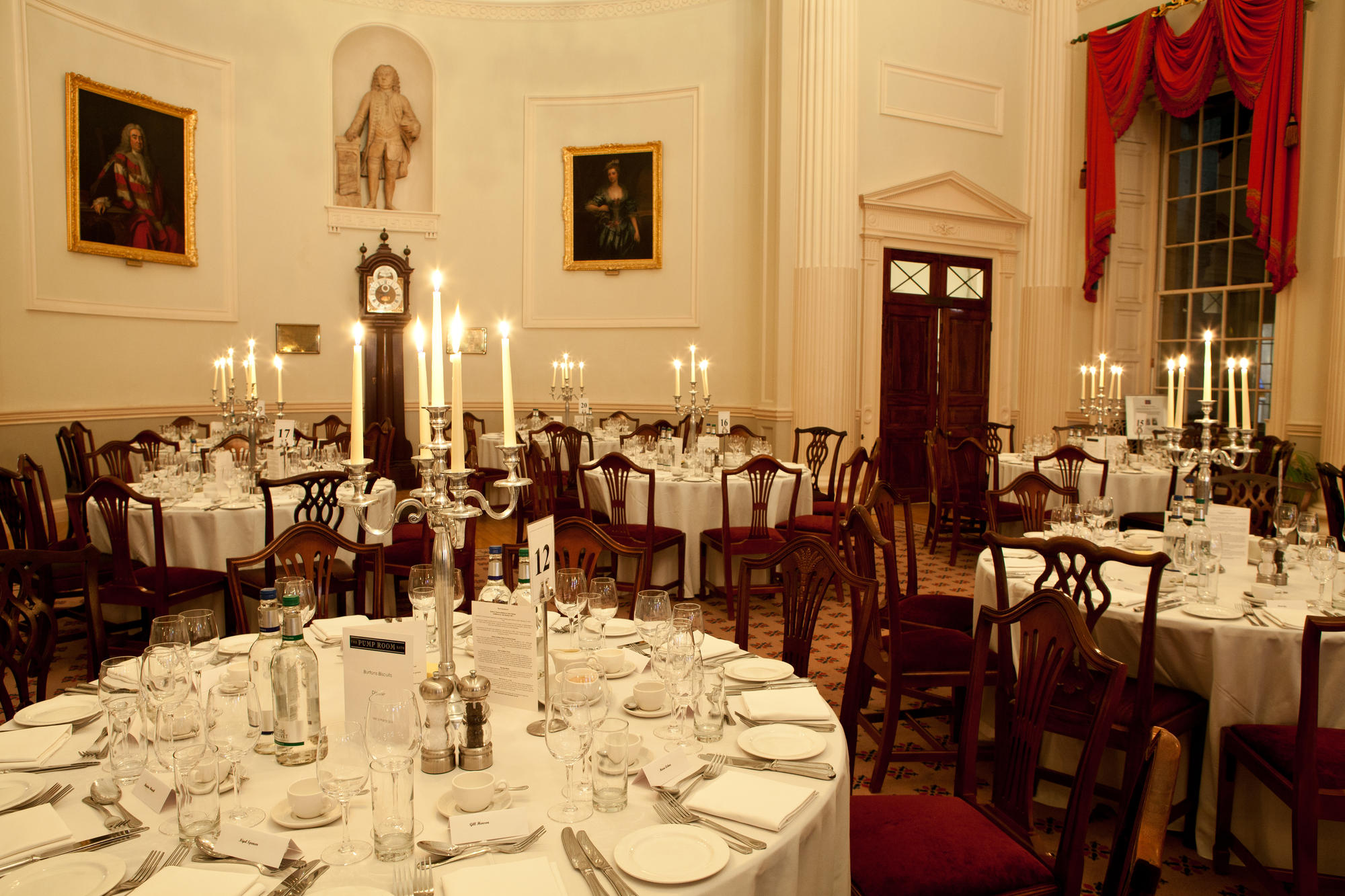 Image: Pump Room set for dinner
