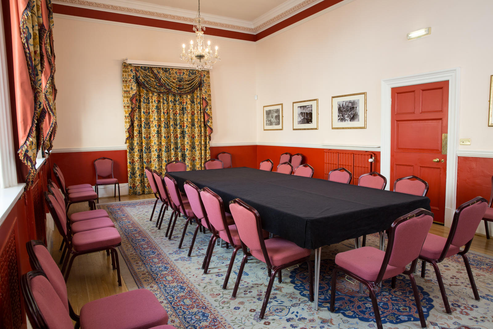 Image: Boardroom style meeting in the Kingston Room