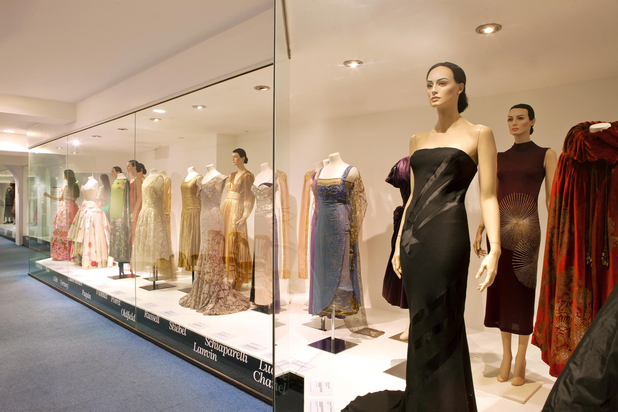 Image: Great Names of Fashion Exhibition